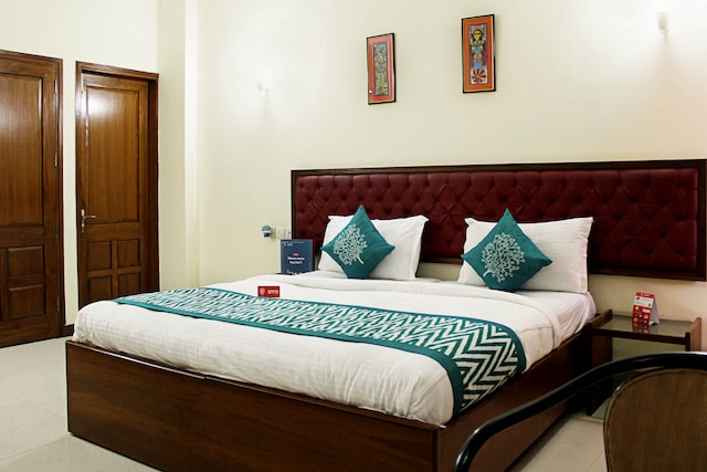 OYO Rooms 283 Connaught Place Near PVR Rivoli