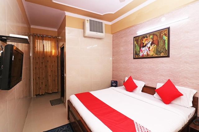 OYO 12933 Hotel Braj Bhawana