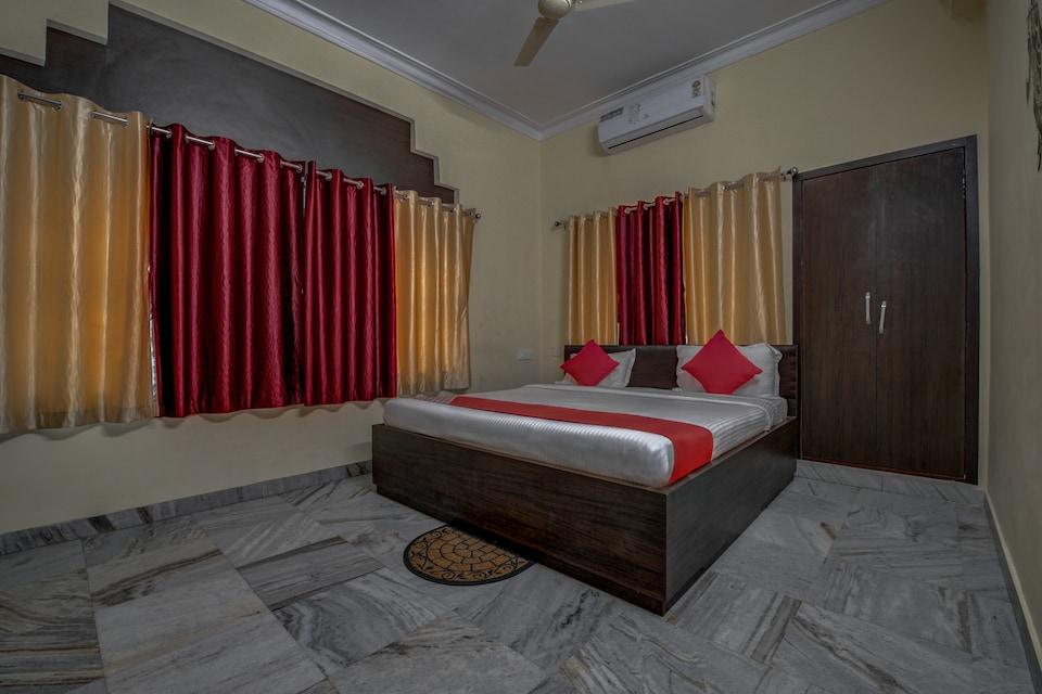 OYO 12960 Hotel Adrija