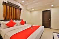 OYO 13032 Shiv Sagar Palace