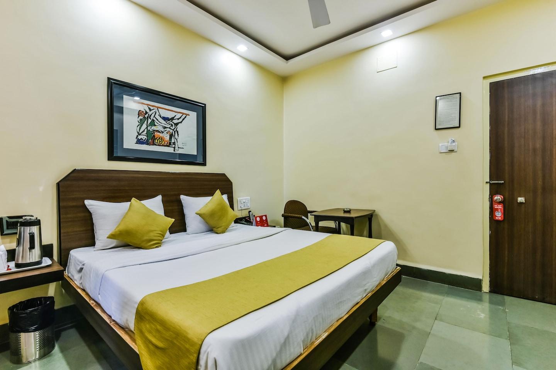 OYO 2085 Hotel Hospice -1