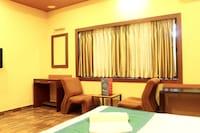 OYO 2087 Hotel Trimoorti