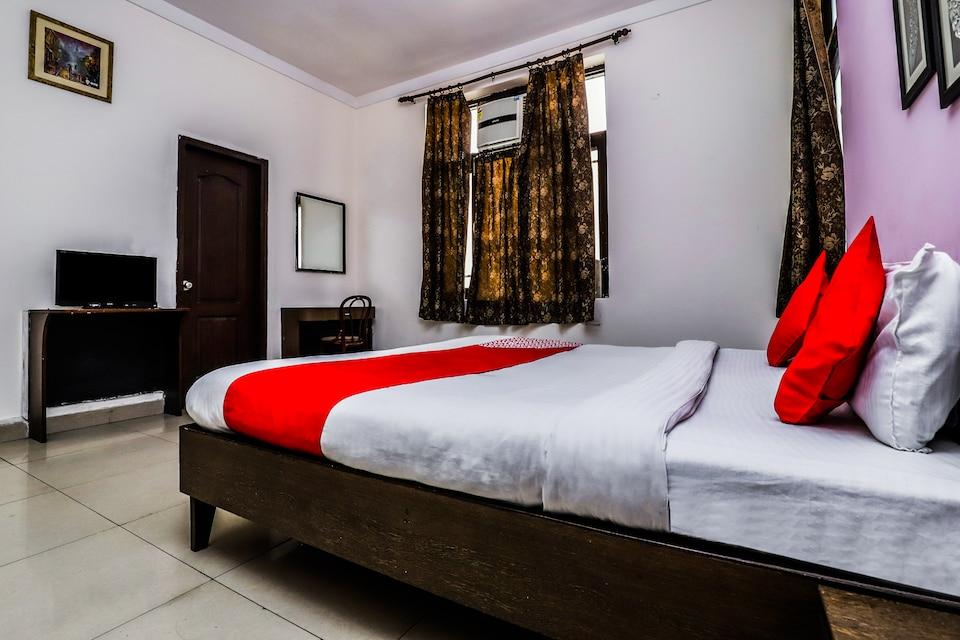 OYO 457 Hotel Mittal Residency, Noida Stadium, Noida