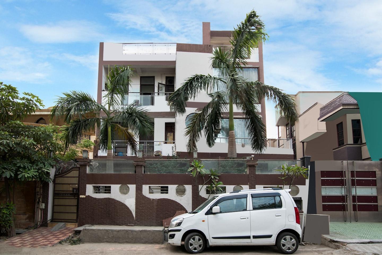 OYO 457 Hotel Mittal Residency -1