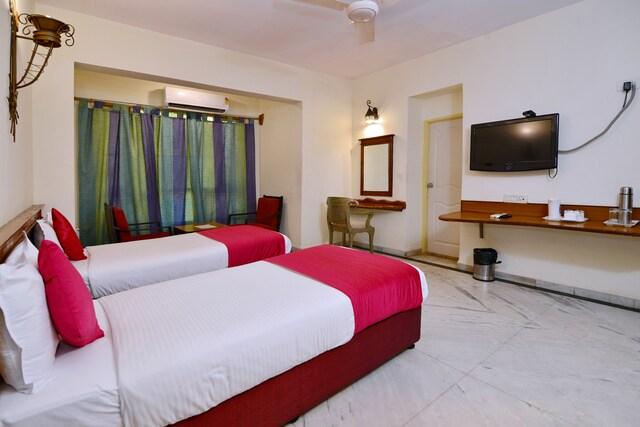 OYO 2195 Hotel Maharaja