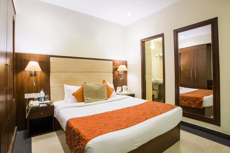 OYO 2204 Hotel Clarks Inn Room-1