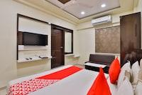 OYO 11985 Hotel Khushboo