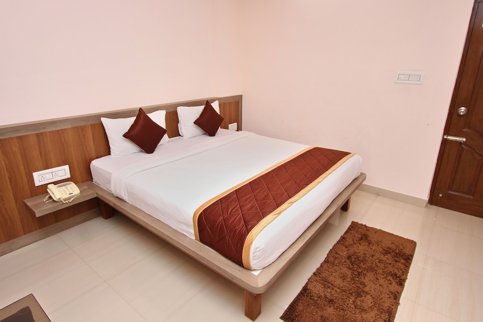 Capital O 2235 Oh My Rooms Indranagar