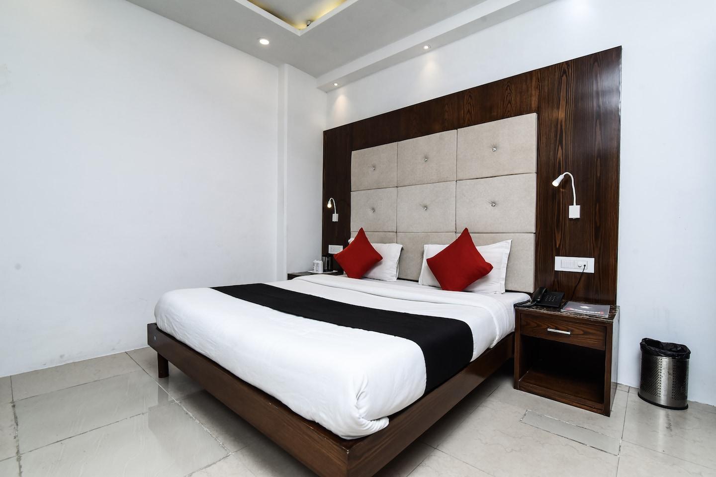 Capital O 2242 Hotel Yuvraj Deluxe -1