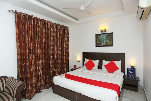 OYO 301 Hotel Mulberry Retreat Deluxe