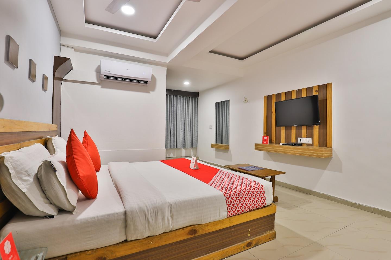 OYO 2252 Hotel Mukund -1