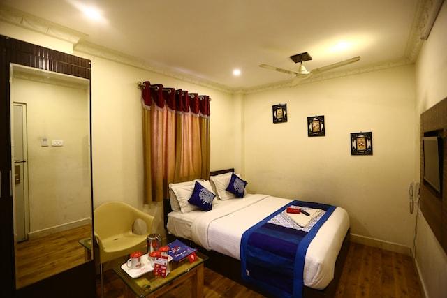 OYO 2270 Hotel Grand Treat