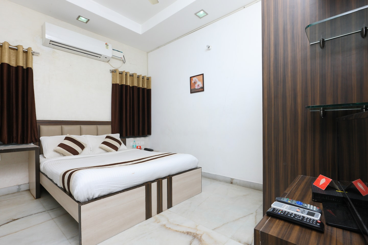 OYO 2282 Apartment Velachery Chennai - Chennai Hotel Reviews, Photos