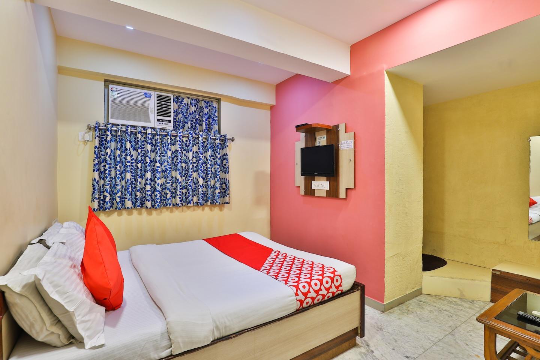 OYO 2284 Hotel Honey Bunny -1