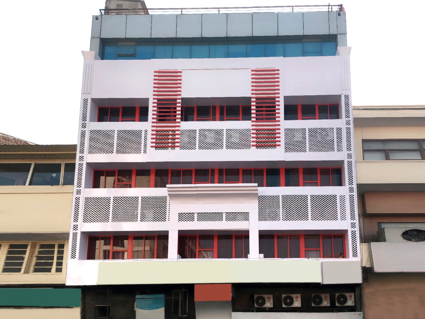 OYO Rooms 146 MI Road Ganpati Plaza Facade-1