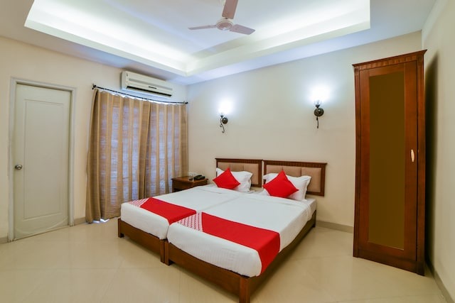 OYO 2294 Country Club Medchal Deluxe