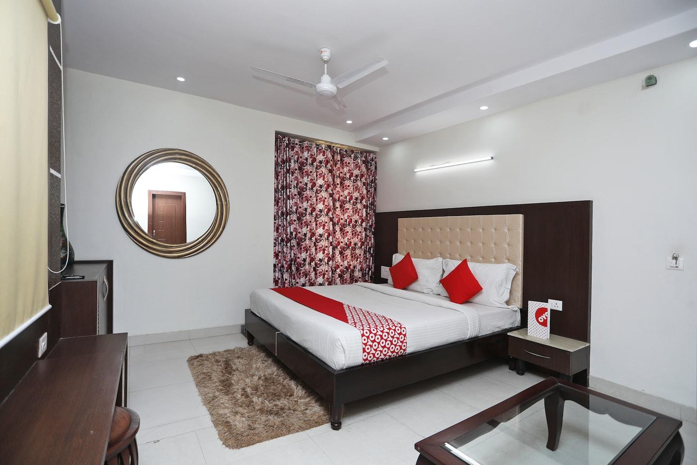OYO 2295 Hotel Razia Inn -1