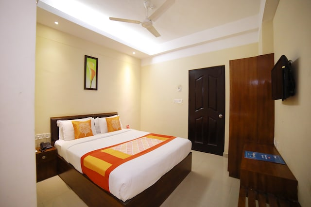 OYO 2300 Hotel The Platinum Inn