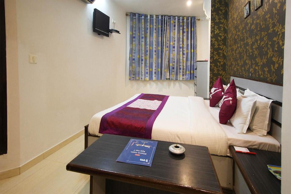 OYO Rooms 32149 Hotel Liberty, Navrangpura Ahmedabad, Ahmedabad