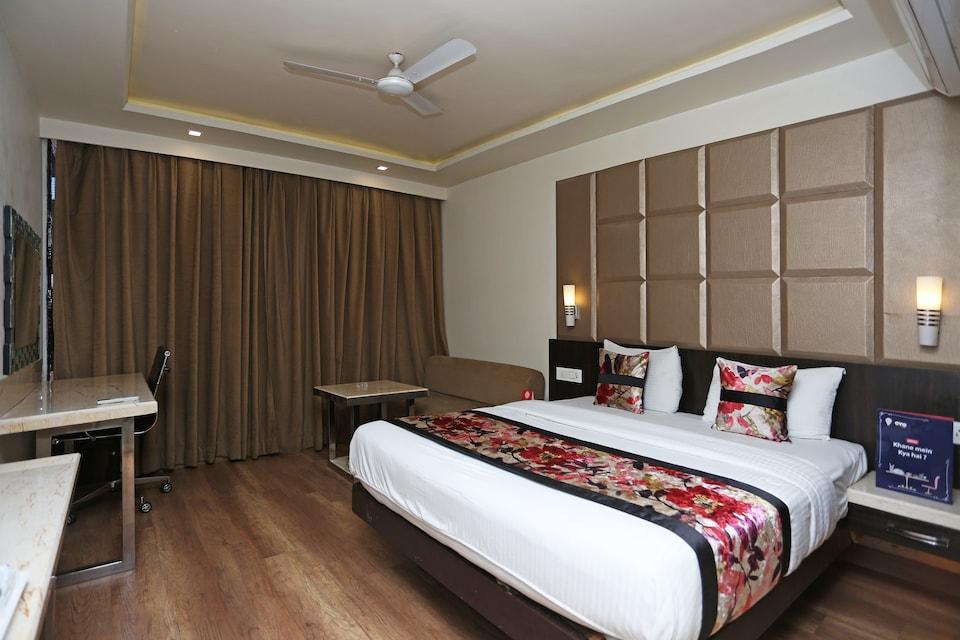 OYO 2353 Hotel Deep