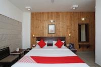 OYO 2356 Hotel Gian Residency Deluxe