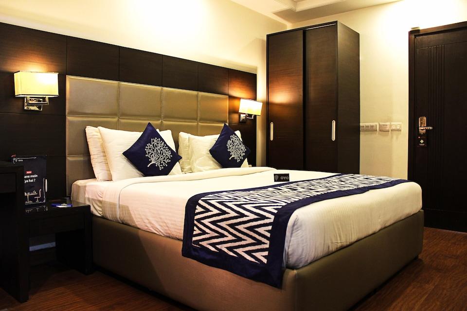 OYO 2365 Hotel Africa Avenue