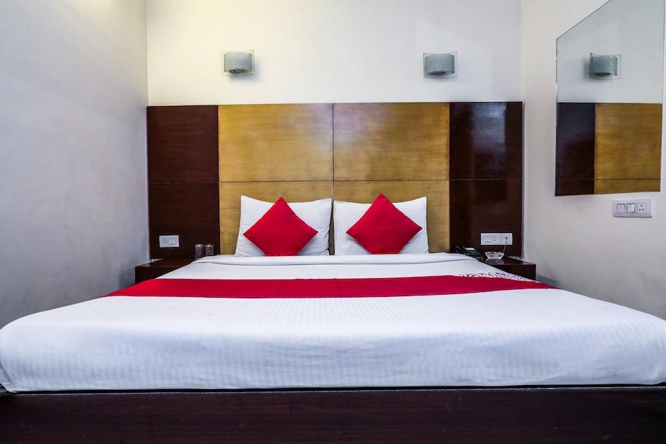 OYO 478 Hotel Delight Inn
