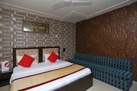 OYO 2407 Hotel Gera's M1