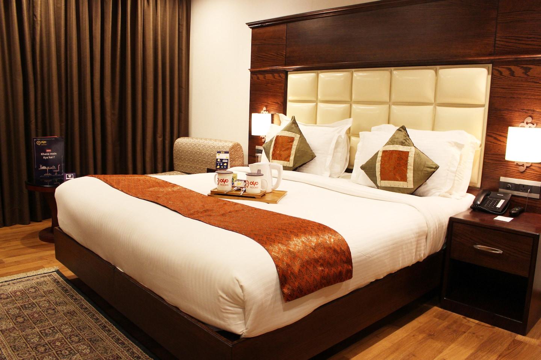 OYO 2458 Hotel Ch2 -1