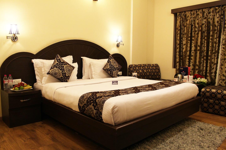 OYO 2459 Hotel Solar Residency -1