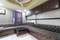 OYO 31911 Hotel Kanchan Palace Saver