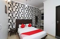 OYO 2484 Hotel Silver Star
