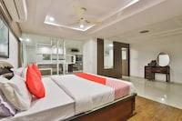 OYO 2494 Hotel Shree Plaza Suite