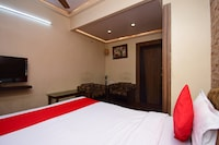 OYO 2510 Hotel Aster Guest House