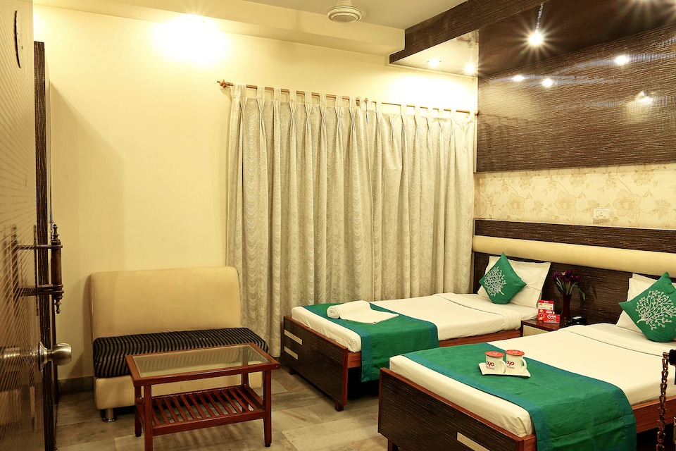 OYO 2512 Pallavi International Hotel