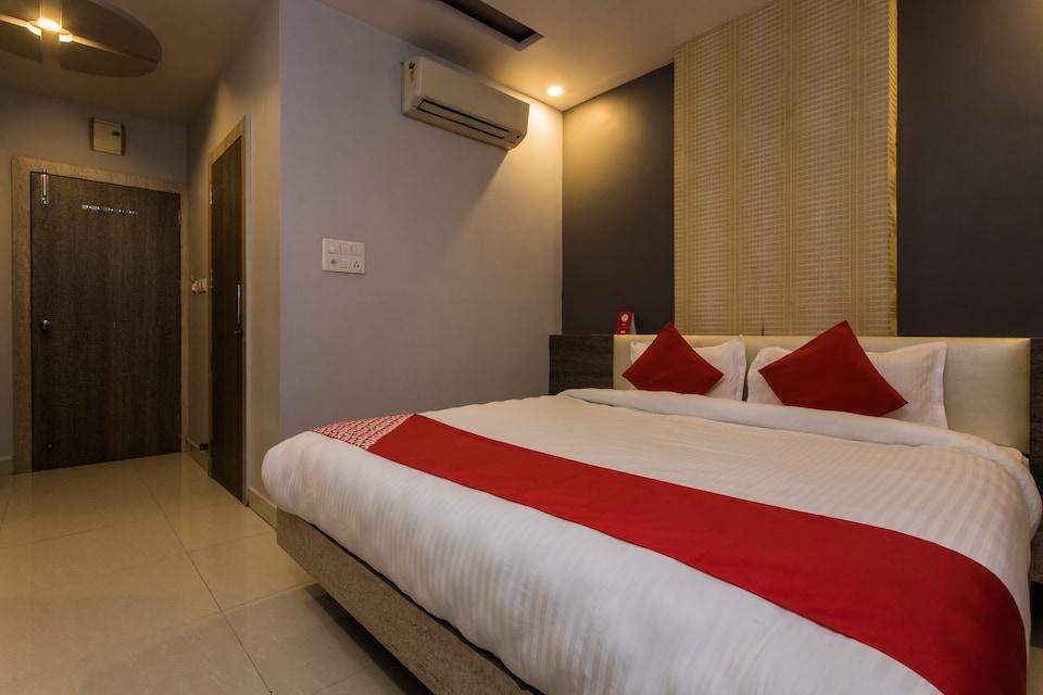 OYO 13531 Hotel Sundaram Palace