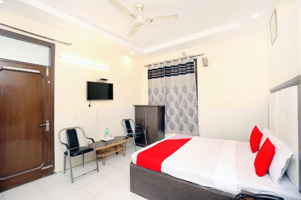 OYO 2530 Surya Palace, South Chandigarh, Chandigarh