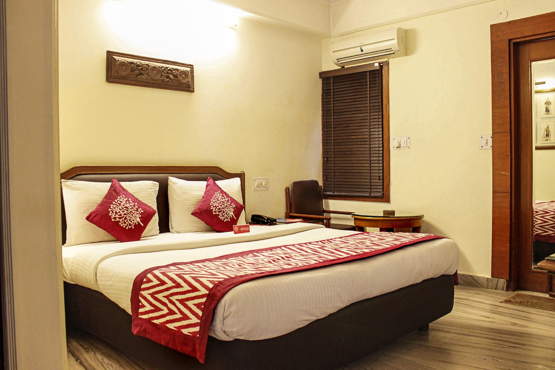 OYO Premium 106 Paharganj Room-1