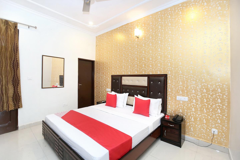 OYO 13102 Hotel Adarsh -1