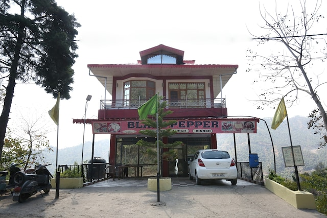 OYO 13127 Home 2BHK Hill View Solan