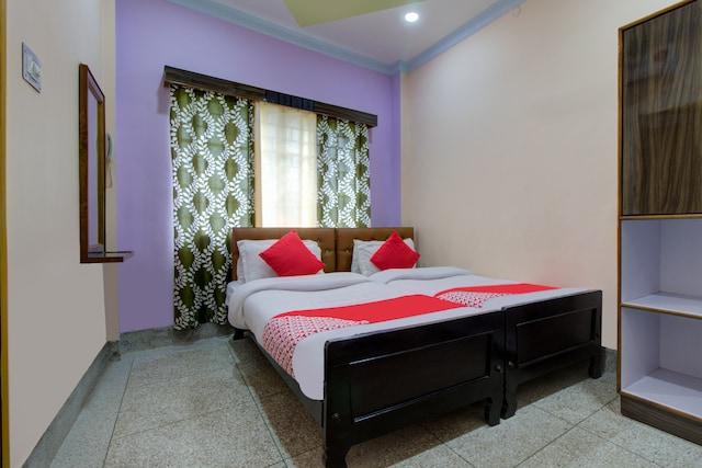 OYO 13152 Bosu Dhara Lodge Deluxe