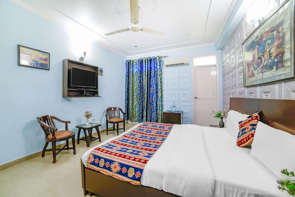 OYO 11247 Hotel Flic Flac