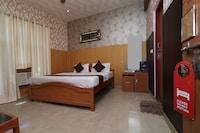 OYO 13234 Hotel Mahak