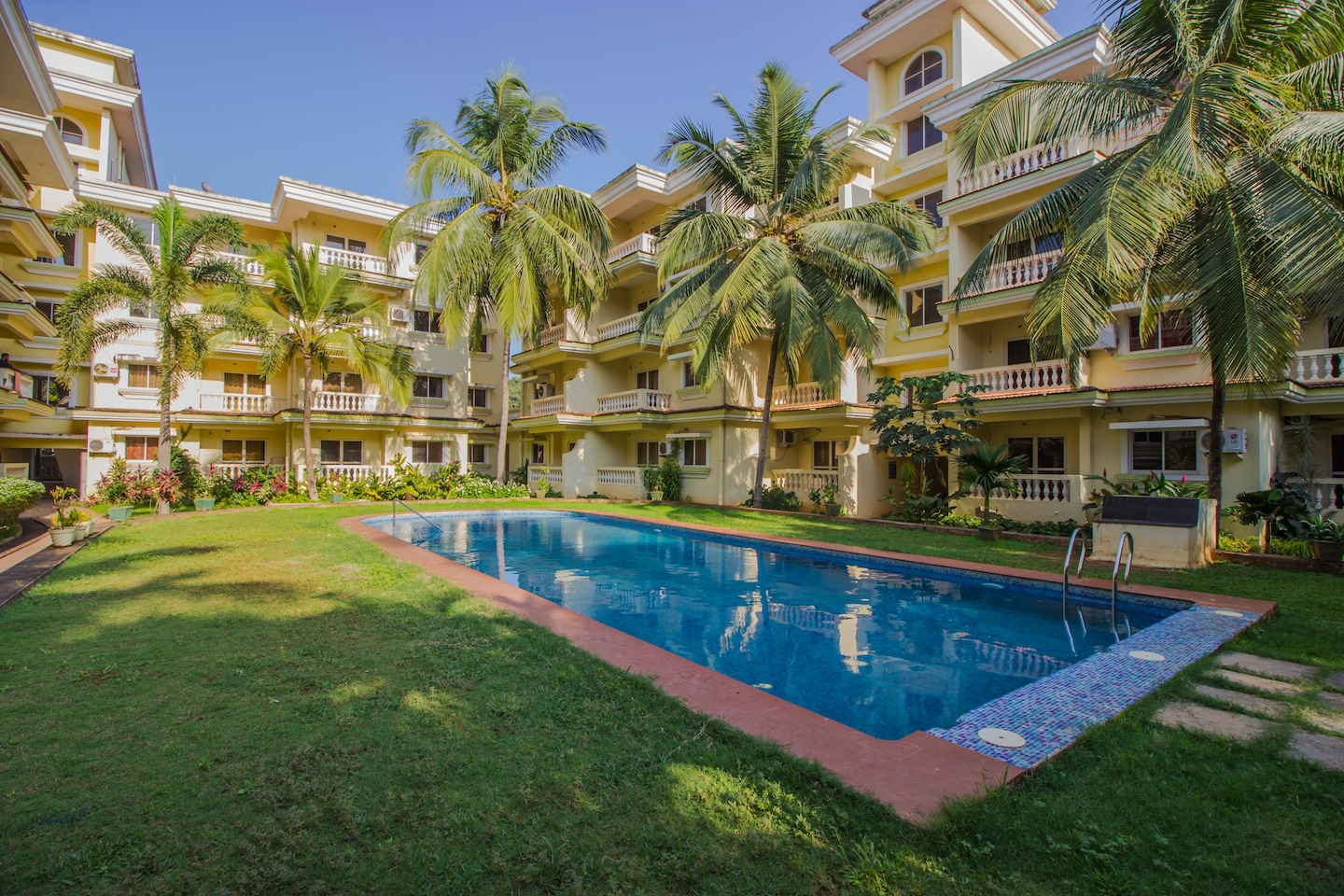 OYO 13256 Home Exotic Pool View 2BHK Varca Beach -1