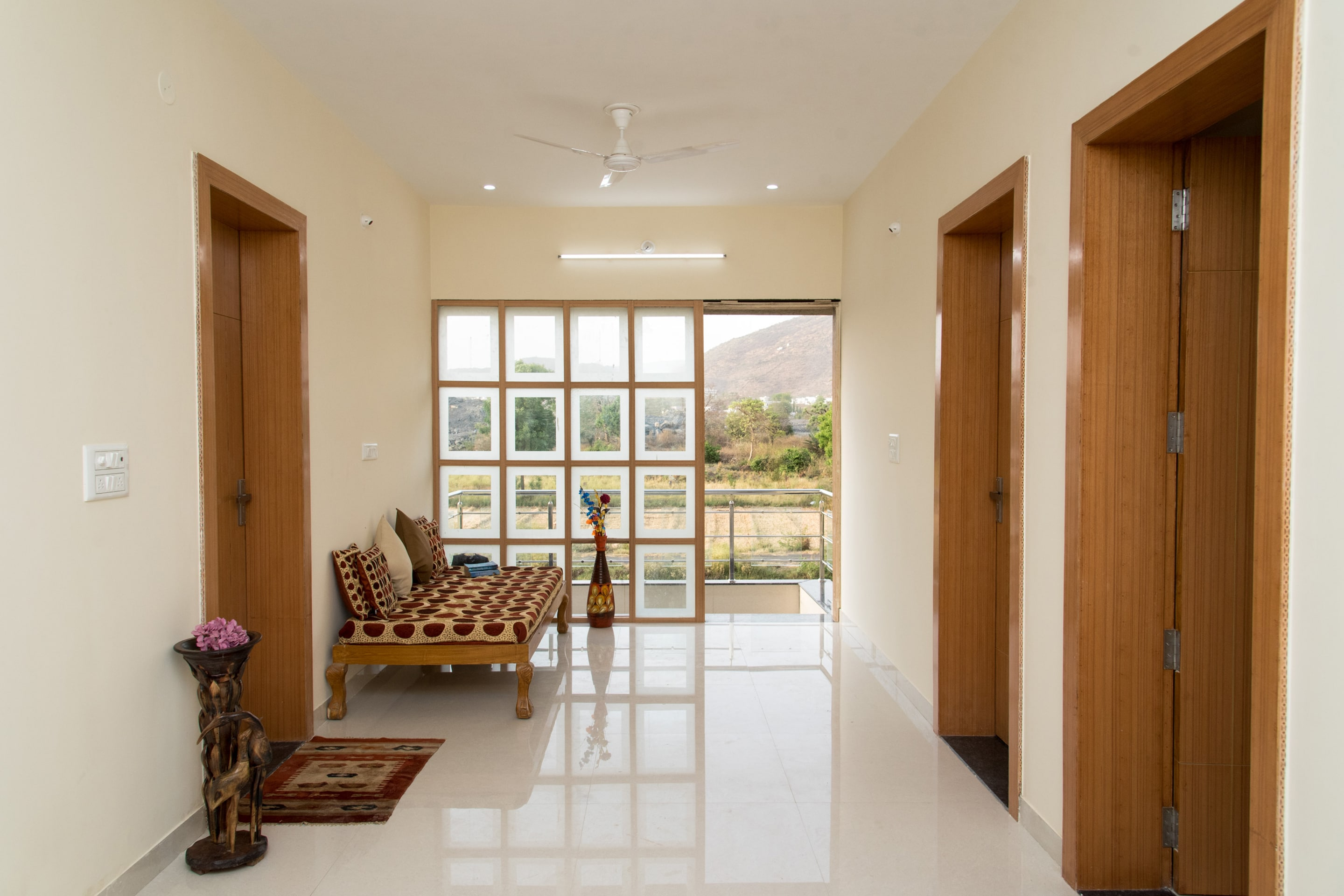 OYO 13273 Home Luxury Stay Airport Road