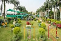 Capital O 13279 Hotel Jabali Palace Deluxe
