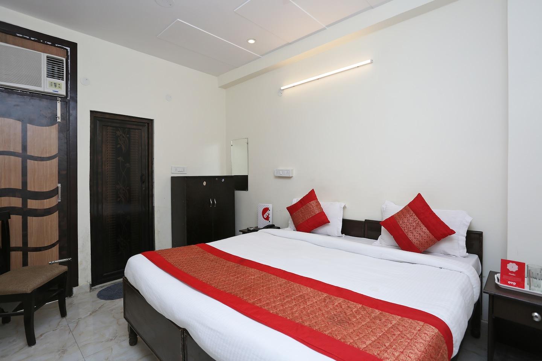 OYO 13280 Hotel Royal India -1