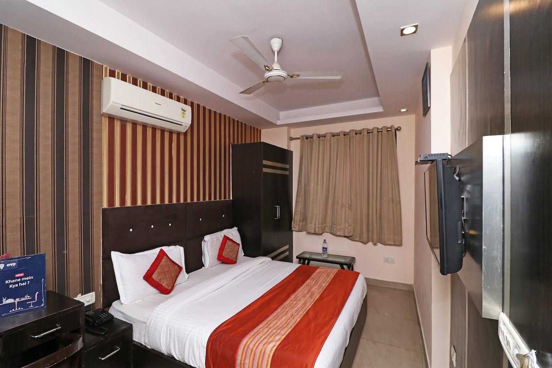 OYO 13299 Hotel Blue Pearl -1