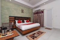 Capital O 13310 Noida Suites