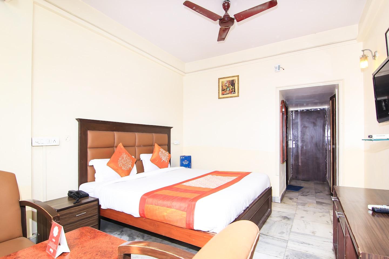 OYO 2569 Hotel Paradise -1